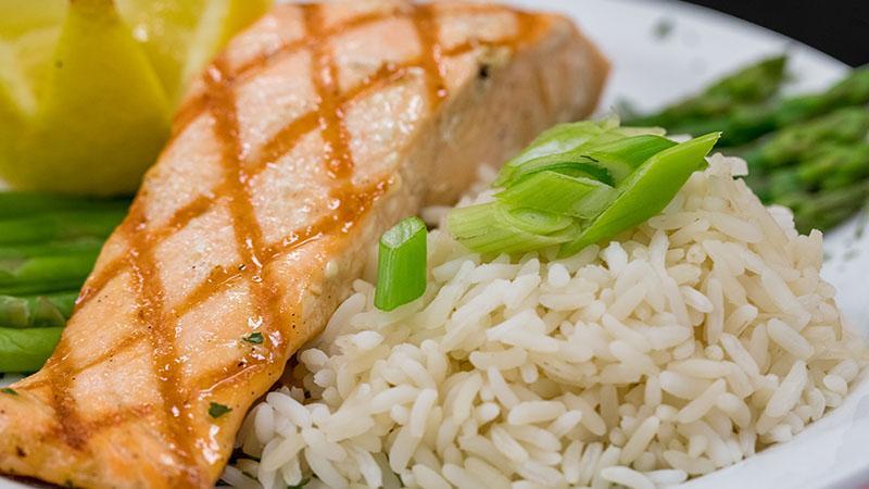 salmin, asparagus and rice dinner